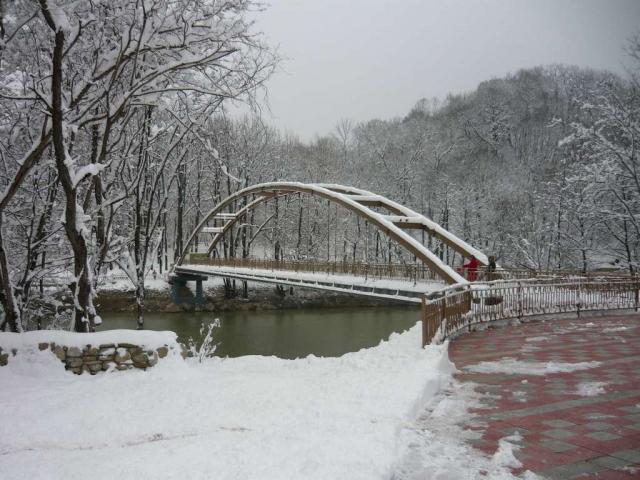 Пешеходный мост через реку Псекупс