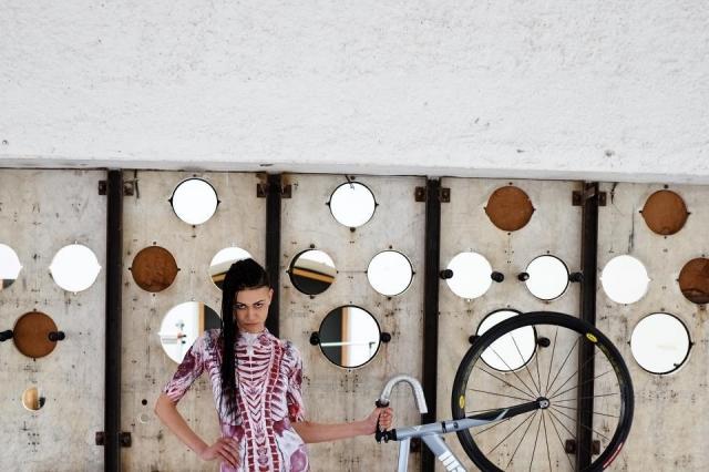Девушки на велосипедах_29
