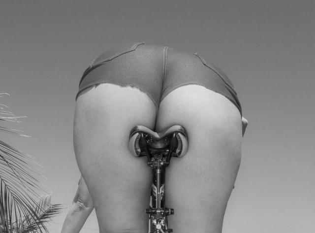 Девушки на велосипедах_6